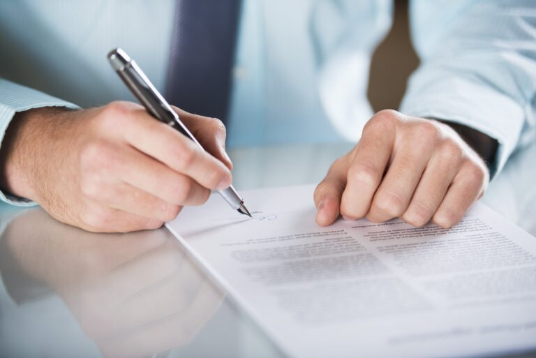 Joseph Shook is an experienced Miami contract lawyer.
